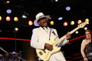 1280px-Larry_Graham_103987961051-300x200 Best Bassists of All Time