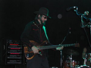 Les_Claypool_at_Toads_Place_New_Haven_CT_17_Oct_20051-300x225 Best Bassists of All Time